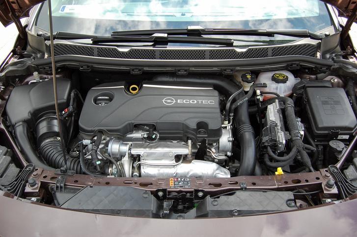Takarékos és erős a motor, mégis az euro6 norma miatt kicsit élettelenek érződik