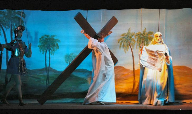 Fratelli Napoli Bábszínház: Krisztus a Golgotán