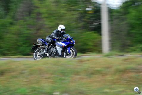 Zirignek a Yamaha tetszett a legjobban, szigorúan a vénégyesített blokk miatt. Nem áll jól neki persze, ezt ő is tudja.