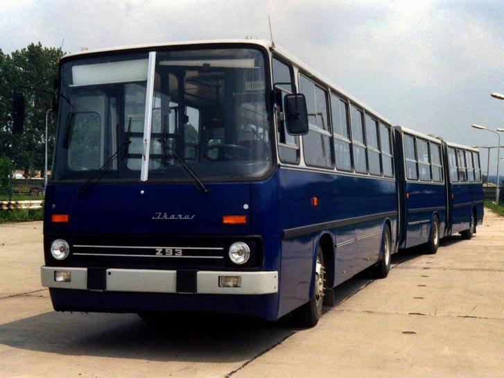 Az eddigi egyetlen duplacsuklós magyar autóbusz az Ikarus 293-as. A kocsi 2005-ig közlekedett Teheránban, majd a selejtezés után a lángvágó áldozata lett