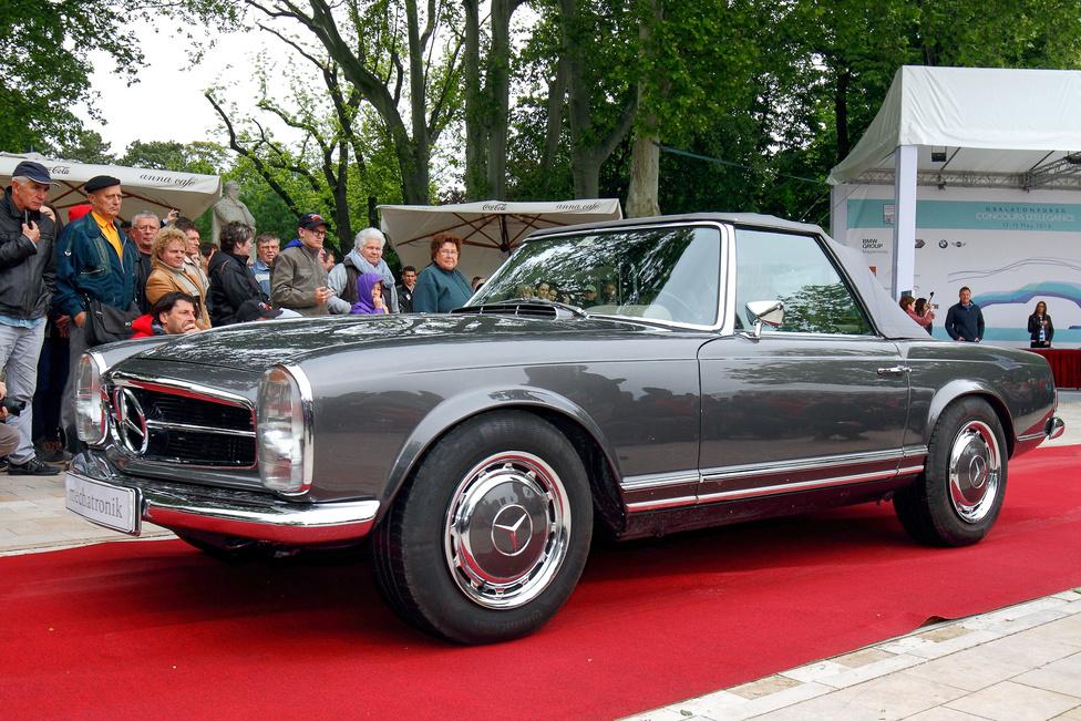 Igencsak ritka madár a Mechatronik M-SL 430. Első pillantásra sima Pagoda Mercedesnek látszik, azonban a látszat csal – ez egy új sportkocsi, 279 lóerős, korszerű V8-as motorral, ötfokozatú automata váltóval. A futómű és a fékrendszer is modern, blokkolás- és kipörgésgátlóval. A választható (gyorsan kiszerelhető) extrák szintén a legújabb technikát képviselik. A Mechatronik egyébként restaurál is, az ő Mercedes W111 kupéjuk kapta a Totalcar különdíját.