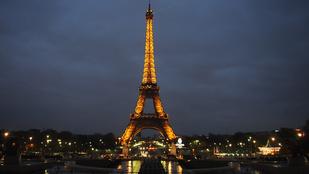 Tériszonyosoknak kötelező: egy éjszaka az Eiffel-toronyban