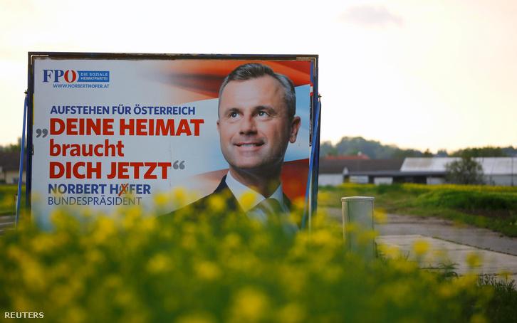 Norbert Hofer a Szabadságpárt jelöltjének választási plakátja Nickelsdorf mellett