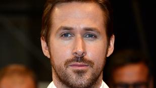 Ryan Gosling egy nagydarab pasi pocakját nyalogatta