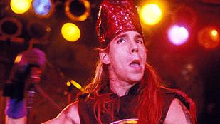 A Red Hot Chili Peppers frontembere tényleg nagyon rosszul van