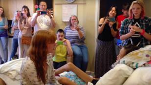 Instant sírógörcs: Florence privát koncertet adott egy rákos kislánynak