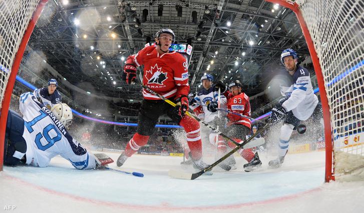 A kanadai Connor McDavid egyik gólja a finnek ellen