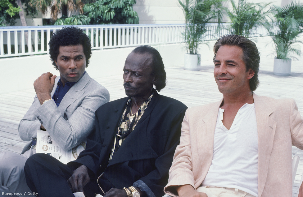"""1986-ban Davis szerepelt egy Miami Vice-epizódban, a Junk Love-ban. Egy drogkereskedőként működő stricit játszott benne, de, mint mondta, ez nem okozott neki nagy nehézséget, elvégre évtizedekkel korábban csakugyan dolgozott striciként, a droggal pedig olyan intim viszonya volt, mint kevés más muzsikusnak. Bár nem szerette, hogy ez a szerep pont a feketékkel kapcsolatos sztereotípiákat erősíti, a tévészereplés nem várt hírnevet hozott neki, főleg, hogy később szerepelt egy Honda-reklámban is. Vadidegenek kezdték leszólítani az utcán, akiknek fogalmuk sem volt, hogy kicsoda ő. Később így írt erről: """"Hát nem kurva az élet? Ennyi muzsikálás után, azután, hogy ennyi embernek szereztem örömet a játékommal, és ismernek az egész világon, kiderül, hogy elég egyetlen reklám, és máris az első helyre kerülünk az emberek gondolkodásában."""""""