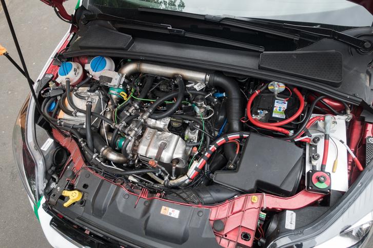 Egykettes Ford Ecoboost volt valamikor, most már utólag hibridesített kísérleti motor