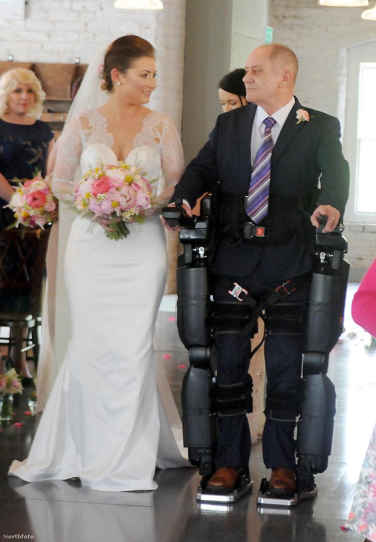 Az esküvői bevonulás fotói