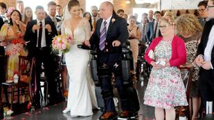 Lánya esküvője kedvéért felállt a kerekesszékből