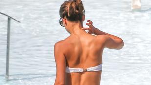 Alicia Vikander bikiniben maga a megtestesült álom