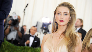 Amber Heard nyilvánosan zsarolja Johnny Deppet