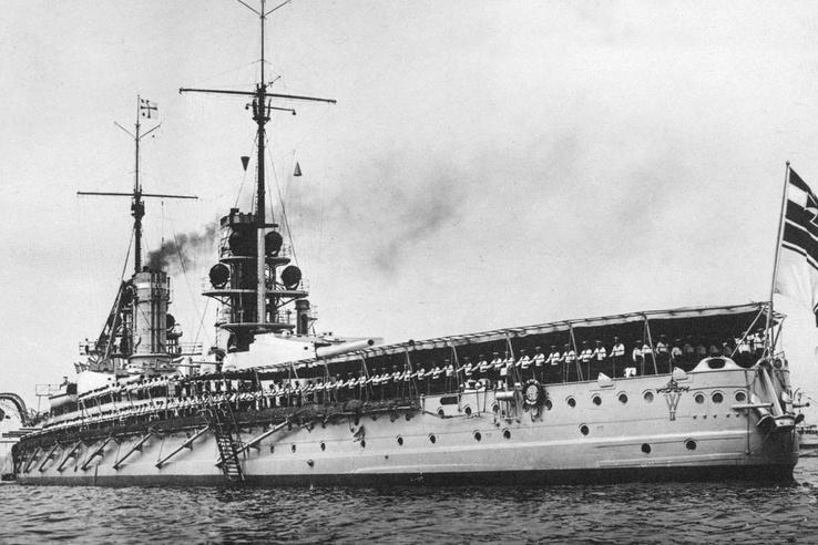 A német SMS Kaiser csatahajó. Jütlandnál mindössze egyszer találták el, későbbi ütközetekben, például Helgolandnál is szerepet kapott.