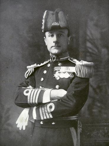 John Jellicoe, a brit Nagy Flotta főparancsnoka a jütlandi ütközet idején. Kásőbb előléptették brit flotta általános főparancsnokává, de még 1917 vége előtt visszavonták a megbízatást.