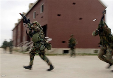 Iraki bevetésre készülődő speciális egység 2003-ban Fort Hoodban