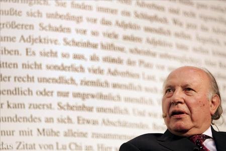 """A Nobel-díjas író a """"rágalomhadjárat"""" miatt további lépéseket is tervez"""