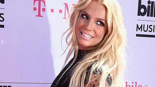 Britney Spears így énekelt 1998-ban élőben
