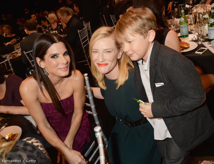 Sandra Bullock és Cate Blanchett 2014-ben.