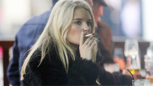 Kate Moss húga máris nővére nyomdokaiba lépett
