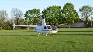 A tudtom nélkül leszervezett egy helikopterutat