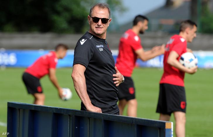 Gianni De Biasi edző az albán csapat edzésén, két nappal a mérkőzés előtt