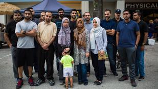 Vért ad a helyi muszlim közösség az orlandói terror helyszínén