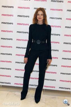 Natalia Vodianova feketében