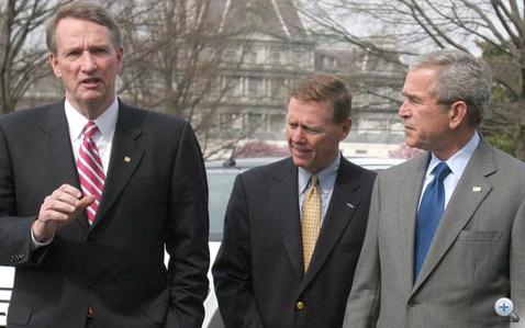 """Rick és George W. Bush. Tán épp ebben a pillanatban hangzik el az """"Adj még egy kis dellát és megoldom a problémákat"""" c. mondat"""