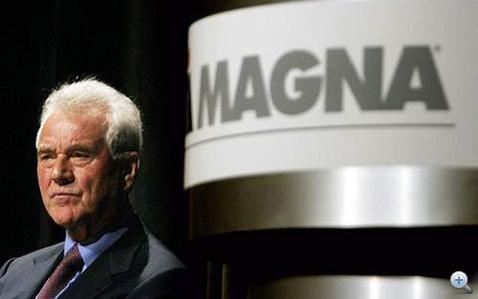 Frank Stronach, a Magna ura. Évek óta dédelgetett álma az autógyártás. Most volt hozzá a legközelebb