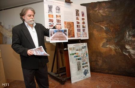 Maulbertsch oltárkép helyreállításának fázisai a Magyar Nemzeti Galéria restaurátor műhelyében