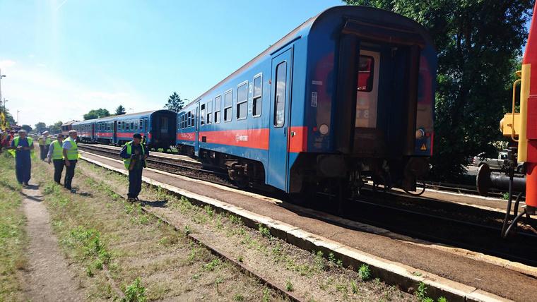 A helyszínelés és a műszaki mentés idejére Kőbánya-Kispest és Gyál között pótlóbuszok szállítják az utasokat.