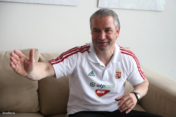 És a legnagyobb 10-es a magyar válogatott szövetségi kapitányának, Bernd Storcknak!