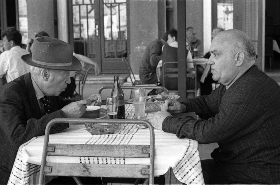 Ranódy László az Aranysárkány után is híres magyar regényeket adaptált: harmadik Kosztolányi-filmje, az Esti Kornél sajnos sosem készült el, de a Kínai kancsó és Fürdés, és A kulcs is Kosztolányi-írások nyomán készült, és szintén Ranódy rendezte az Árvácska híres filmváltozatát Czinkóczi Zsuzsi főszereplésével.