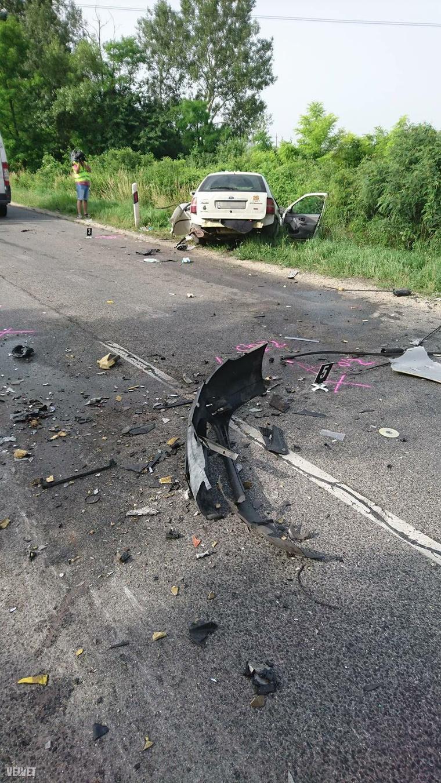 Június 17-én reggel kamion és személyautó ütközött össze az 51-es főúton. A balesetben egy ember megsérült, mentőhelikopter szállította kórházba.