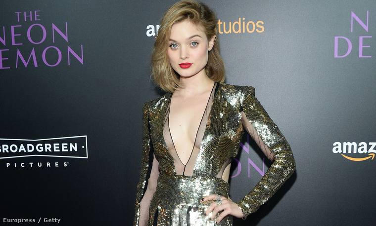 Bella Heathcote színésznő a The Neon Demon premierjén