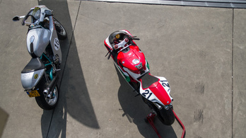 Assen: Ducati Club Race és Superbike Revival