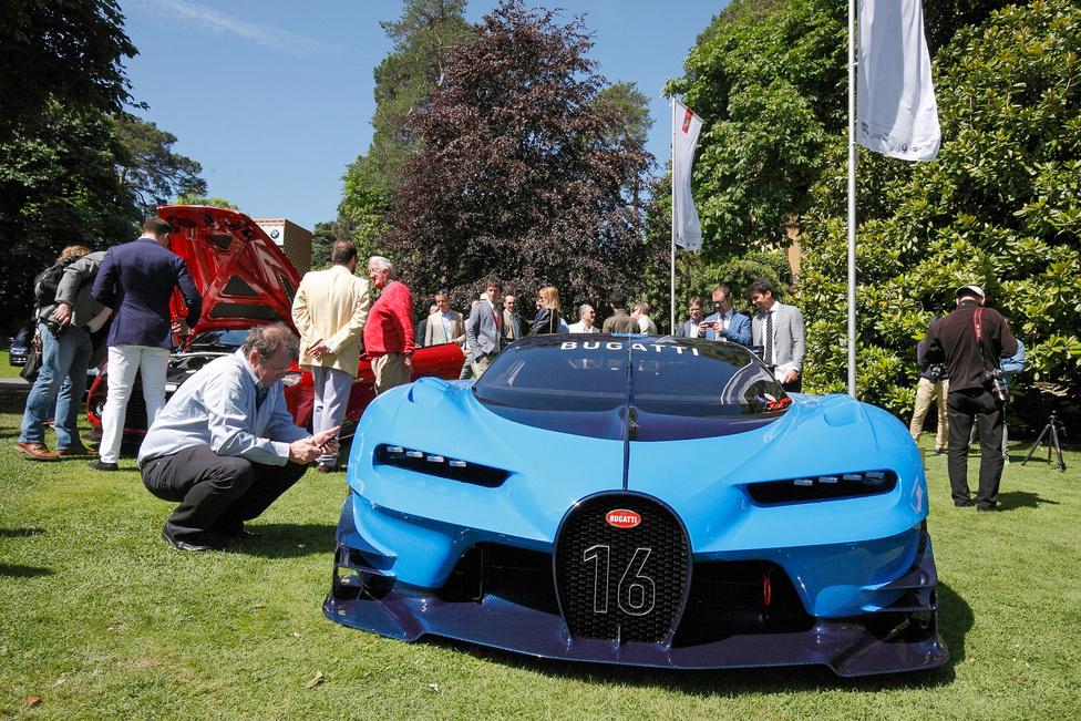 Van külön kategória az új prototípusoknak, stílustanulmányoknak is: a Bugatti Vision Gran Turismo sokkal inkább brutális, mint szép. A PlayStation-ön futó Grand Turismo 6 játék számára kifejlesztett virtuális kocsi testet öltött: valahogy így nézne ki, ha a Bugatti LMP1-es versenygépet építene. A szín az 1937-es és 39-es Le Mans-i győzelmek emlékét őrzi