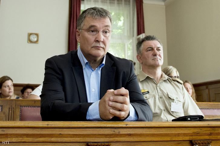 Juhász Ferenc és Fapál László a bíróságon 2016. június 20-án