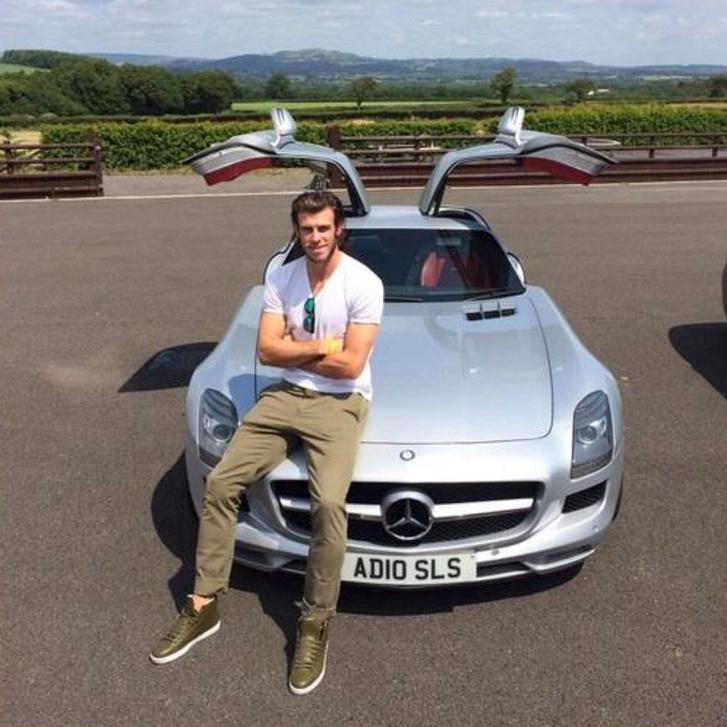Gareth Bale (Wales) - Mercedes-Benz SLS AMG