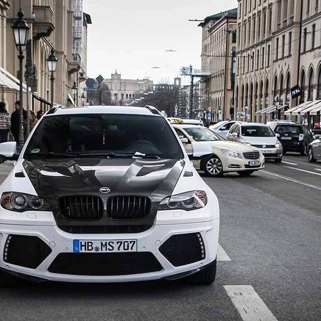 Marko Arnautovic (Ausztria) - BMW X6 M Mansory
