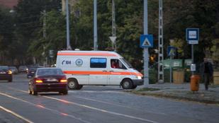 Nagyon csúnya mentőbaleset történt Jászberény közelében