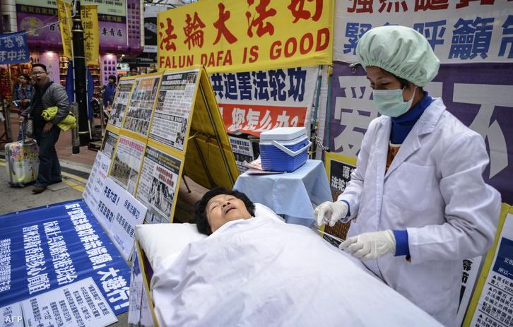 A Falun Gong követőinek demonstrációja Hongkongban, 2013-ban