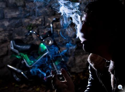 Csoppereztünk, és titokban cigiztünk a lakótelepen. Ne dohányozzanak, és sportoljanak: vegyenek R1-et a Popgal helyett
