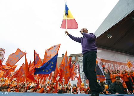 Traian Basescu kampányol