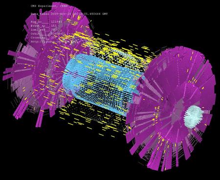Fent a CMS detektor egyik splash eseménye, lent egy videó az ALICE detektor egyik splashéről