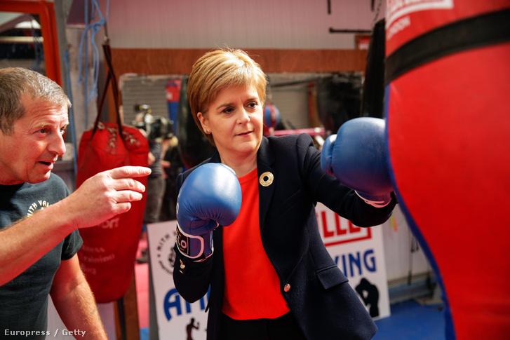 Nicola Sturgeon a skót nemzeti párt minisztere