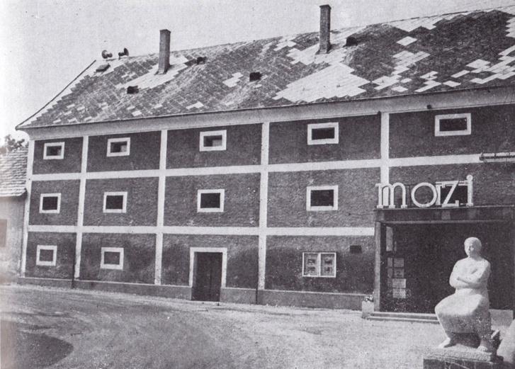 A tihanyi magtárat szintén Callmeyer Ferenc tervei szerint alakították mozivá. Így nézett ki 1972-ben