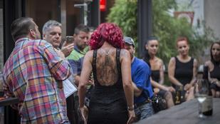 Na most már tényleg nézegethet tetovált lányokat!