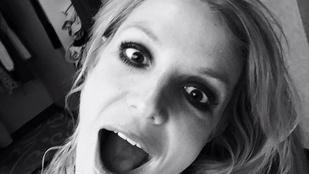 Britney Spears arca kicsit unatkozott az elmúlt órákban